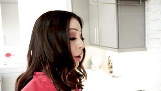 Ariella Ferrera - Taking Advantage Of Stepmom