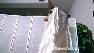 Nikki Brooks - Lubricated Mommy
