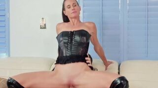 Stepmom Caught Stepson While Jerking Off