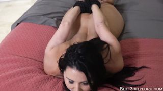 Butt3rflyforu Gets Hogtied Mommy