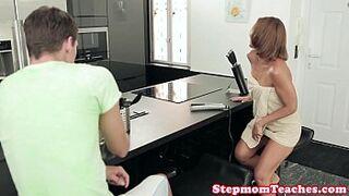 Smalltit euro stepmom sharing cock during ffm